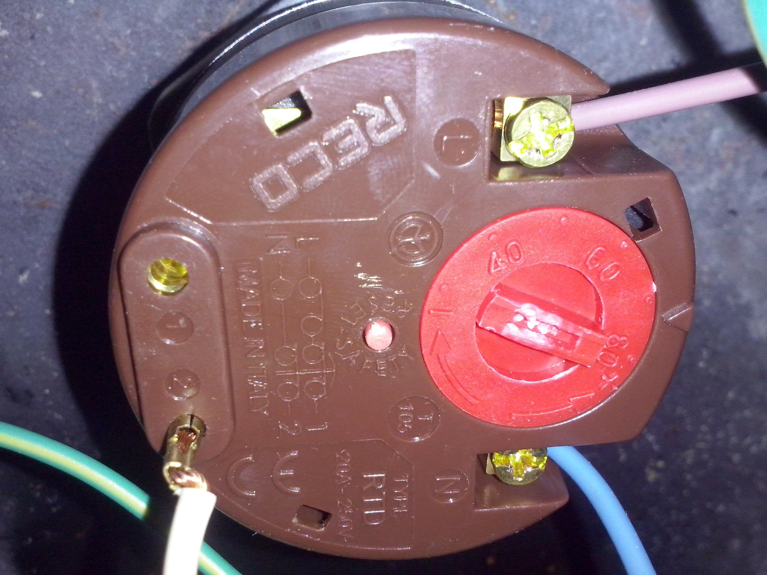 No me calienta el agua el termotanque ecotermo electrico for Como poner un termo electrico