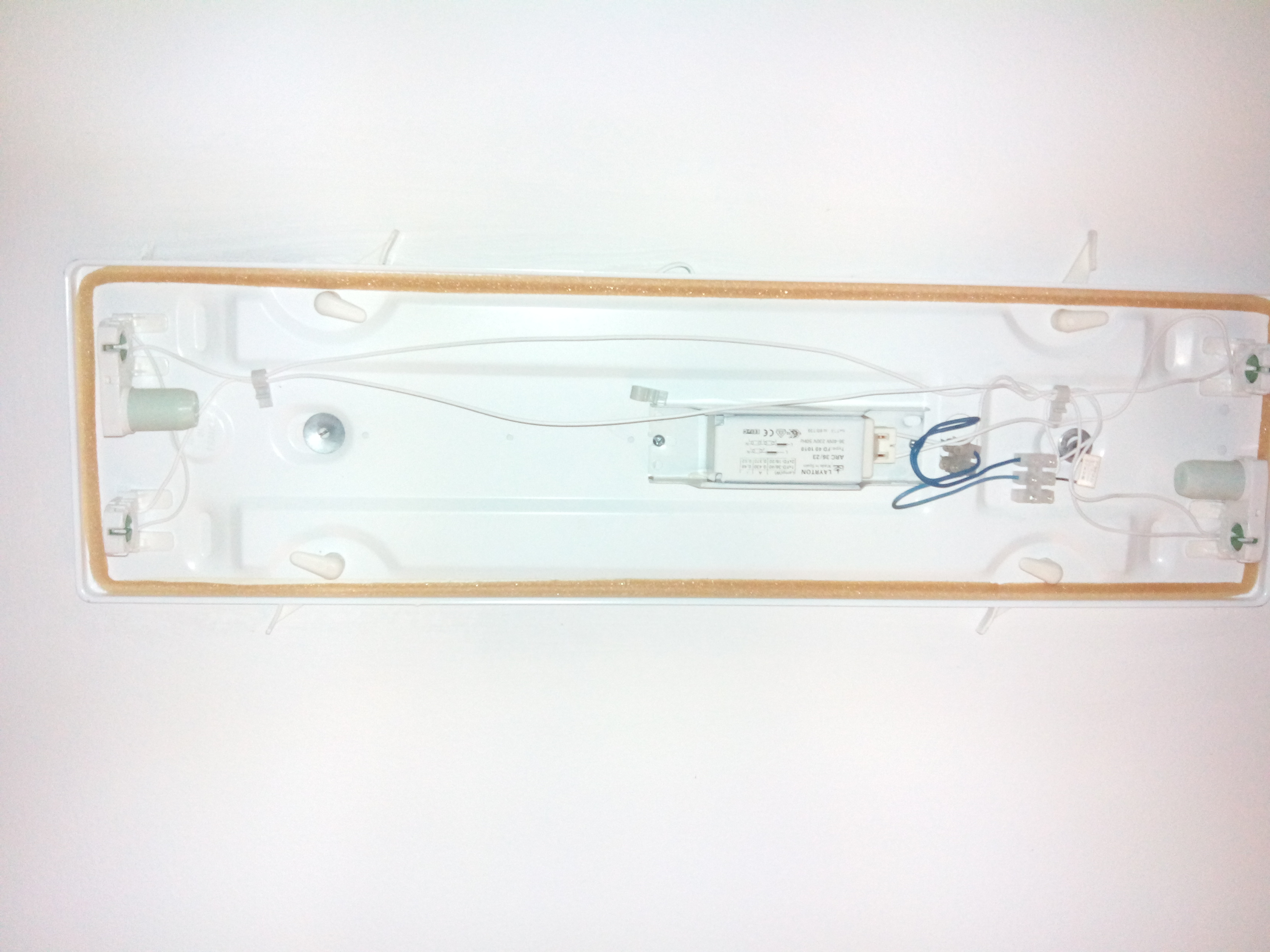 Solucionado cambiar tubos led en pantalla 2 tubos yoreparo for Sustituir tubo fluorescente por led